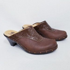 Sofft Lisbon Caramello Mules with Embossed Leather - Size 7.5M - New with Box